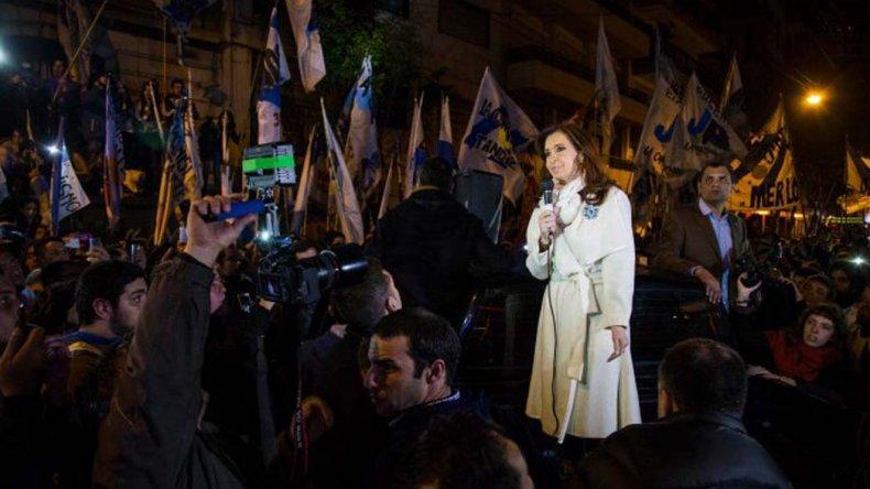 Cristina habló con militantes antes de volver a su ciudad de residencia.