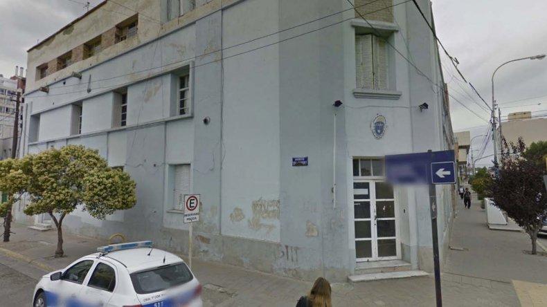 Dos primos detenidos en pleno centro por robo y daños