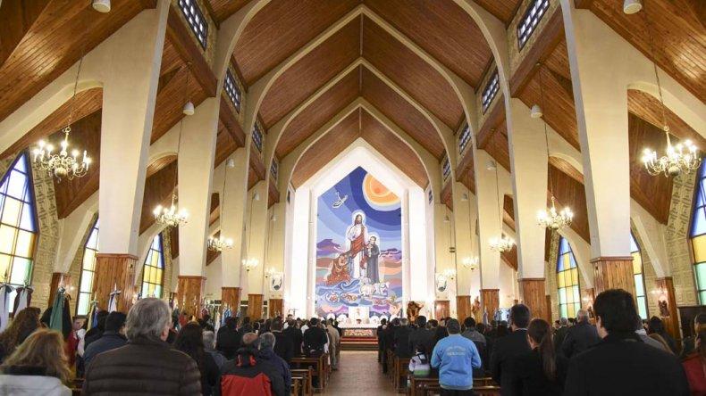 En la catedral San Juan Bosco se celebró el Tedéum del Bicentenario.