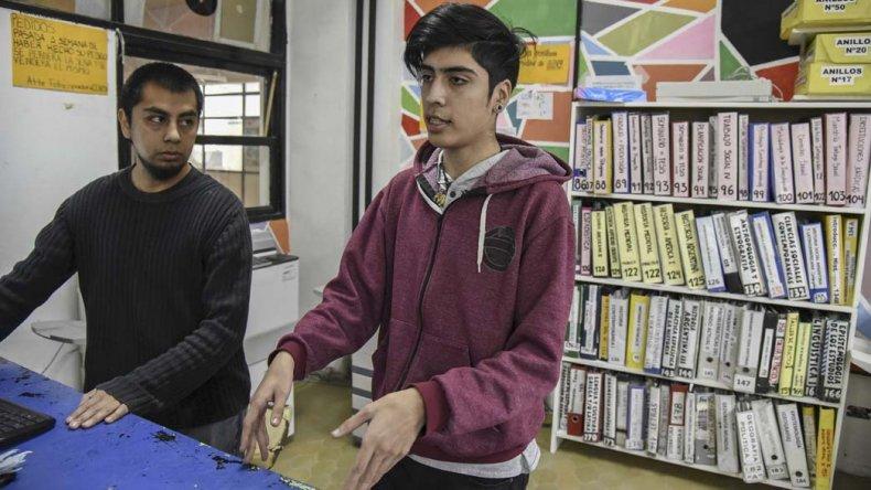 Las fotocopiadoras de los centros de estudiantes cumplen un papel fundamental en la reducción de costos de bibliografía.