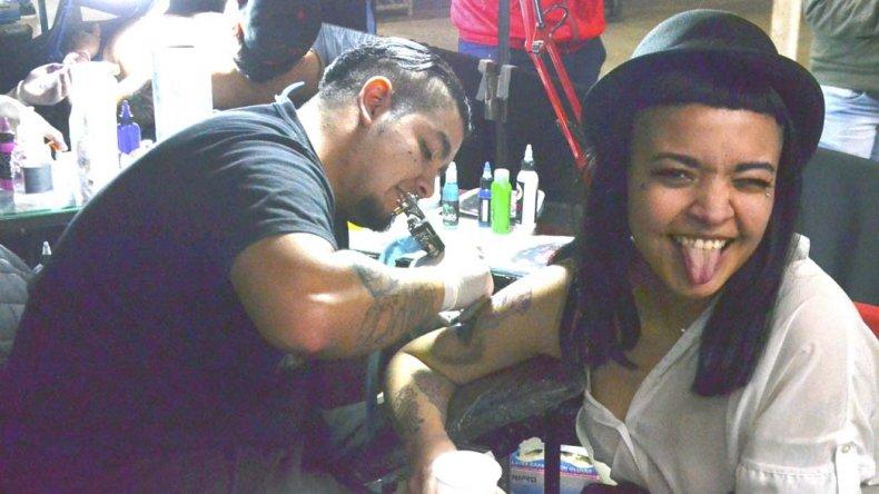 La Comodoro Tattoo Convention mezcló la experiencia nacional con el talento de los artistas locales. También hubo stands de comida