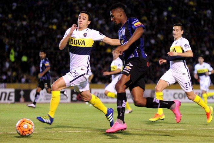 Leonardo Jara en el partido de ida frente a Independiente del Valle de Ecuador.