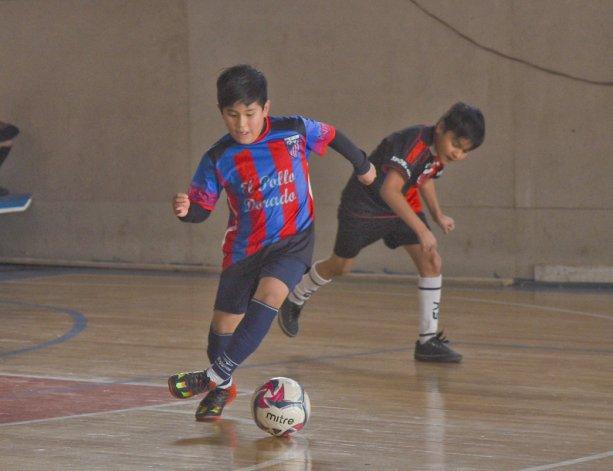 Los chicos jugaron una nueva jornada de la Copa Alexis Cabrera de fútbol de salón.