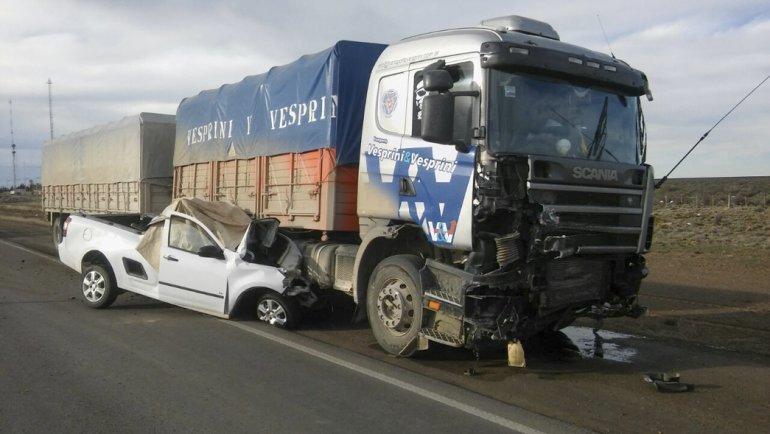 Jacinta Farías cargó combustible en su camioneta y al ingresar a la ruta encontró la muerte tras ser embestida por un camión.