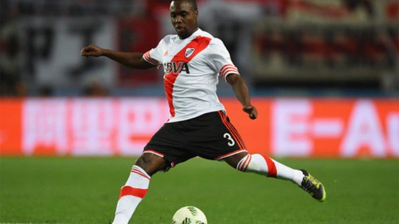 Eder Alvarez Balanta dejó River para marcharse al fútbol suizo.