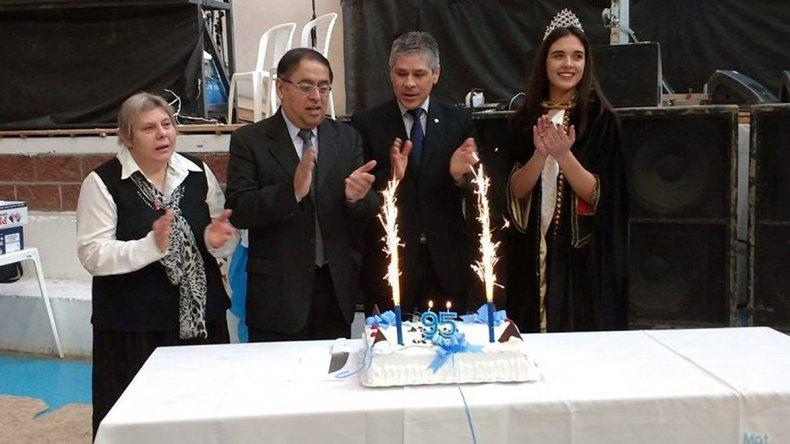 El intendente Omar Fernández y el vicegobernador Pablo González encabezaron el festejo por el 95º Aniversario de Pico Truncado.