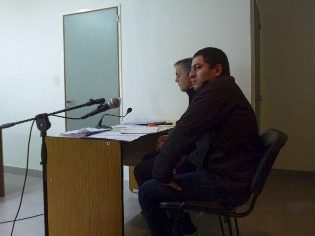 Víctor Hugo Alcaina ya no tiene prohibición de salir de la ciudad y el fiscal Adrián Cabral tendrá otros 4 meses para investigar si fue él quien robó a una familia del Abel Amaya.