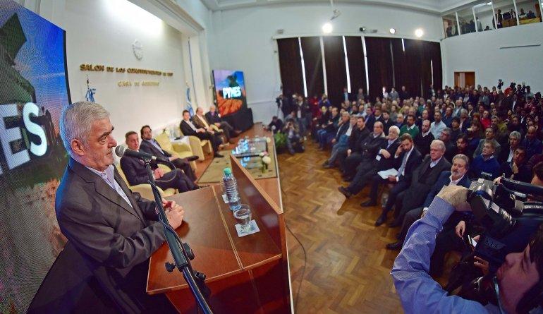 Das Neves reconoció la preocupación  de los industriales y productores