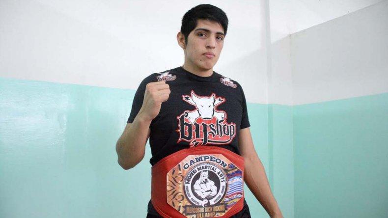 Ariel Araneda volvió a entrenar hace poco en el gimnasio municipal 1.
