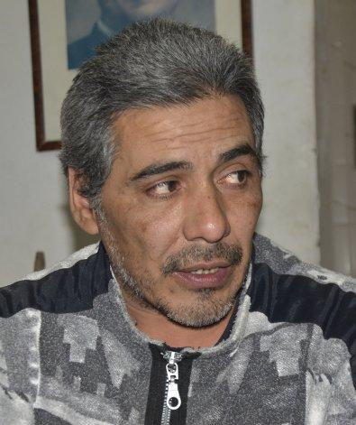 Cristian García está desesperado. Se hace detener para tener un lugar donde dormir y pide que la Justicia escuche su reclamo. Dice que quiere recuperar a su familia.