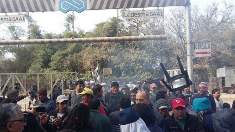 Reprimen con balas de goma a trabajadores en Jujuy.