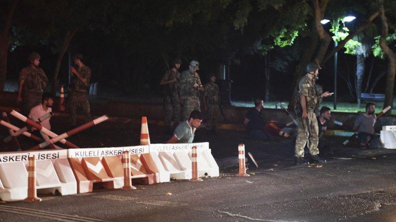 Una fracción del Ejército turco dio un golpe de Estado contra Erdogan.