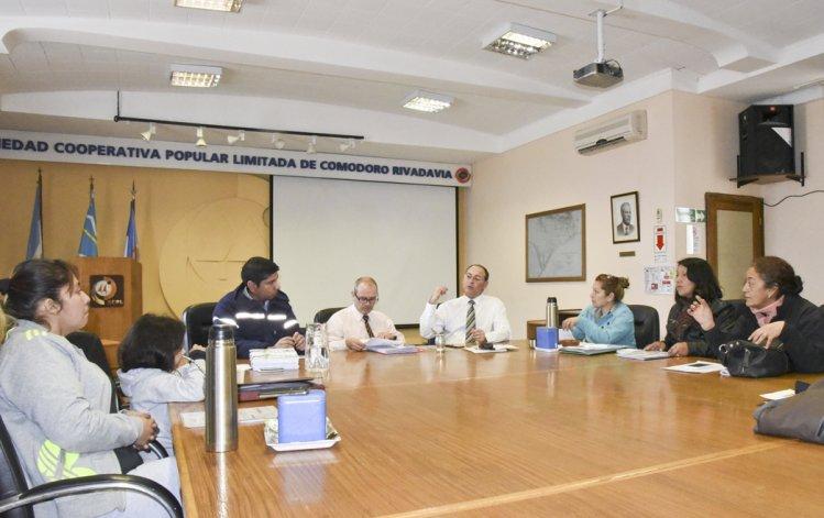 Ayer por la mañana los referentes de Fracción 14 se volvieron a reunir con autoridades de la Sociedad Cooperativa Popular Limitada.