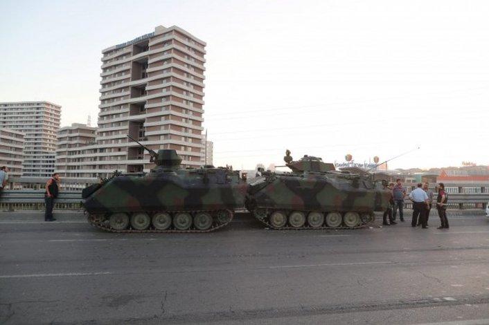 Hay alrededor de 160 muertos por el intento de golpe de Estado en Turquía