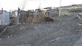 Frente al Gimnasio Municipal 3, Eduardo Funes fue encontrado tras recibir sesenta puñaladas.