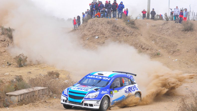 El Chevrolet Agile de Alejandro Cancio que ayer dominó el primer día del Rally de Tucumán.