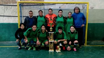 Laprida y La Vecindad campeones  del torneo La ruta del futsal