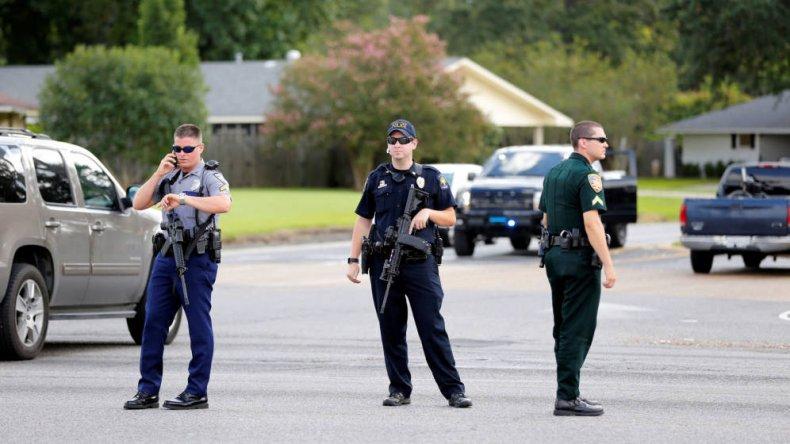 Los policías murieron en un tiroteo ocurrido cerca de una comisaría.