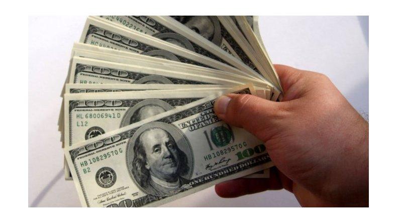 Dolor de cabeza para el BCRA: se duplicó el costo para ingresar dólares al país
