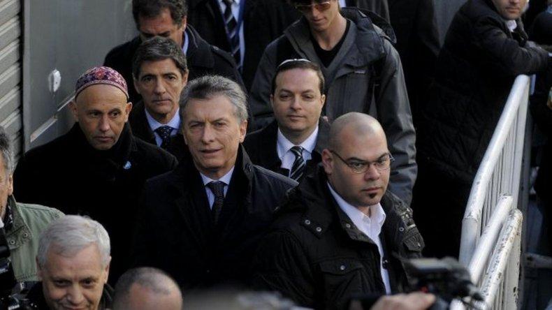 Macri estuvo en el acto por AMIA, pero se fue antes de que termine