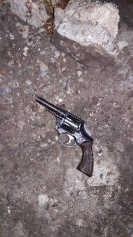 El revólver que la Policía secuestró a Matías Montesinos a la salida de uno de los bares.