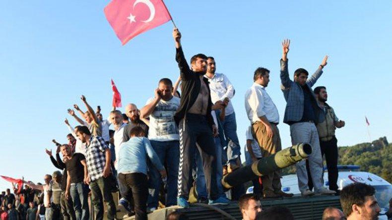Turquía se reorganiza luego del fallido golpe de Estado.