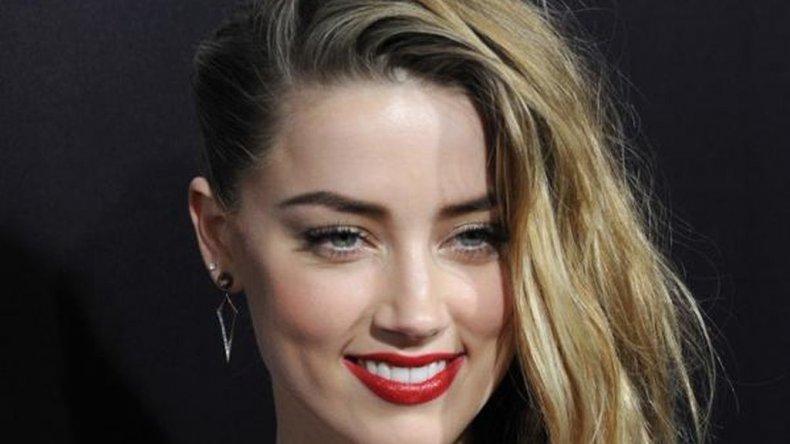 Amber Heard, la modelo y ex novia de Johnny Deep posee la simetría y armonía de los elementos de sus facciones que le producen el rostro perfecto (Shutterstock).