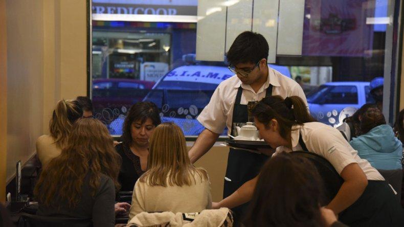 El rubro gastronómico trabajará en este Día del Amigo con reservas agotadas por lo que extenderán sus ofertas hasta el fin de semana.
