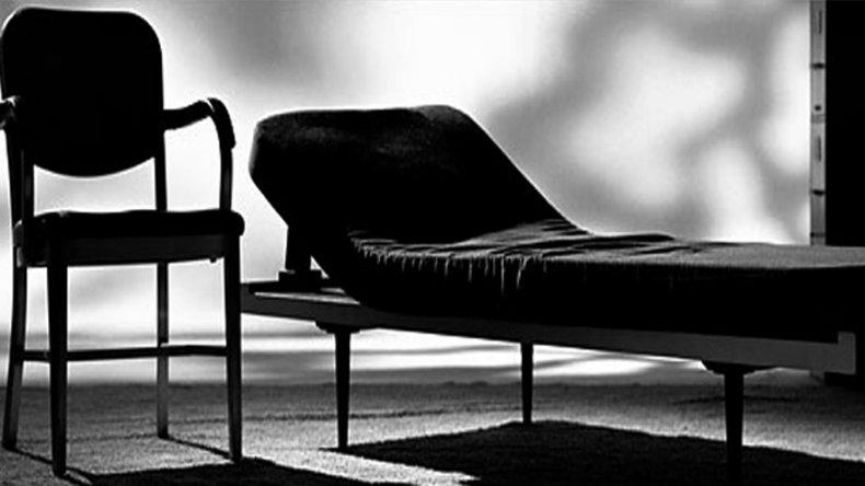 Una mujer denunció que fue abusada por su psicólogo en plena terapia