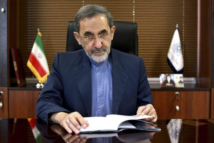 Juez pide detener y extraditar a excanciller iraní