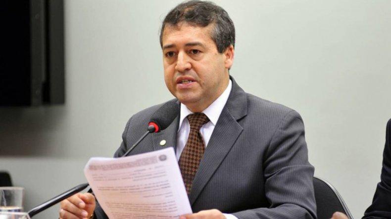 El ministro de Trabajo del gobierno interino impulsa la flexibilización laboral.