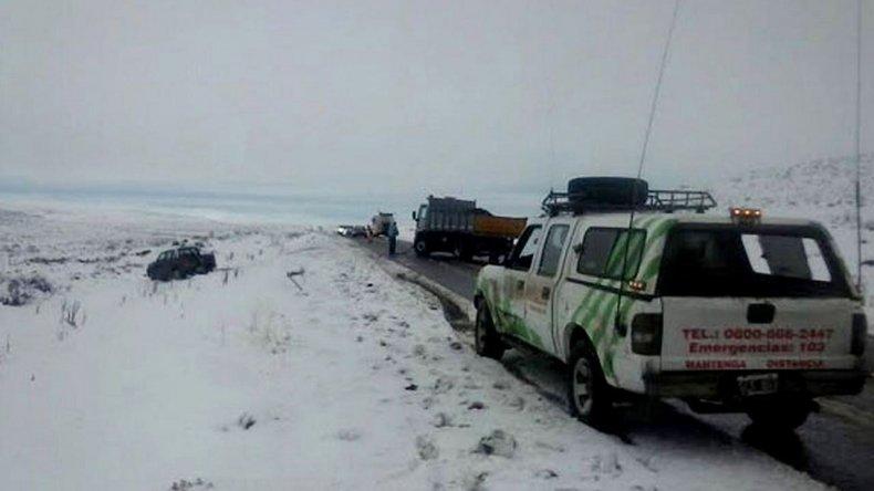 En Gan Gan y Gastre preocupa una intensa caída de nieve que dejó aislados a pobladores