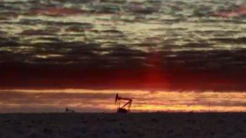 Petroleros advirtieron 500 despidos más por baja de equipos