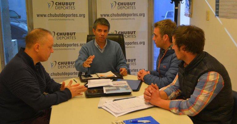 En la reunión se solicitó apoyo para mejorar la infraestructura en el Manuel González de Esquel.