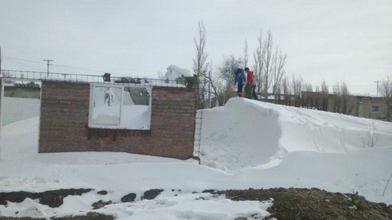 El temporal de nieve castiga a los habitantes de la meseta.
