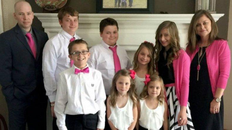 La historia de la mujer que adoptó a los seis hijos de su amiga