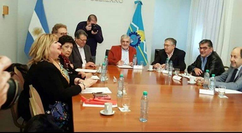 Diputados y senadores enfocados en el presupuesto 2017 para exigir obras para Chubut