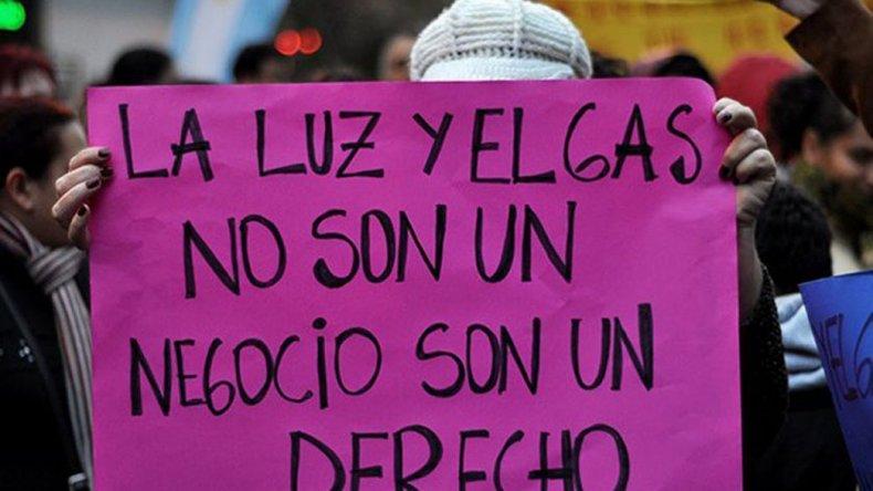 El alza de las tarifas de servicios públicos generó protestas de la ciudadanía en todo el país.