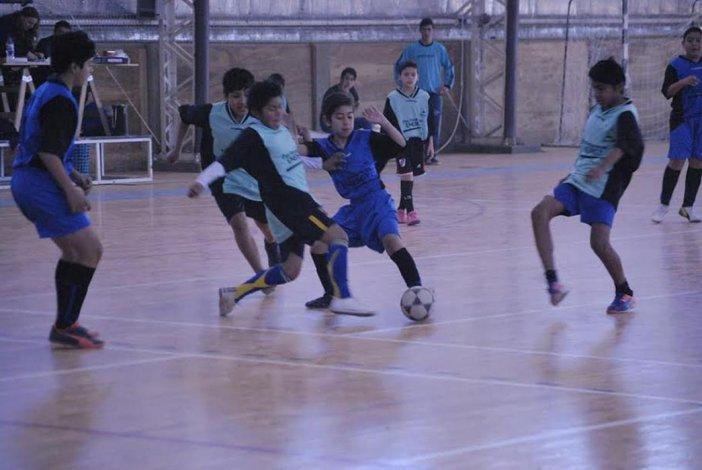 El fútbol de salón de los Juegos Comunitarios disputará esta tarde una nueva fecha.