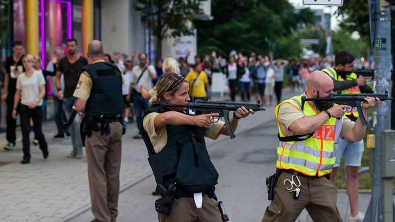 Alemania convocó a un gabinete de emergencia tras el tiroteo en el shopping