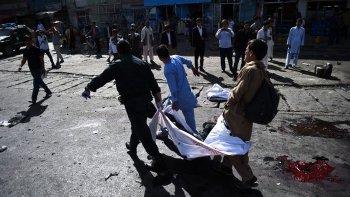 Al menos 61 muertos y 200 heridos en un ataque suicida