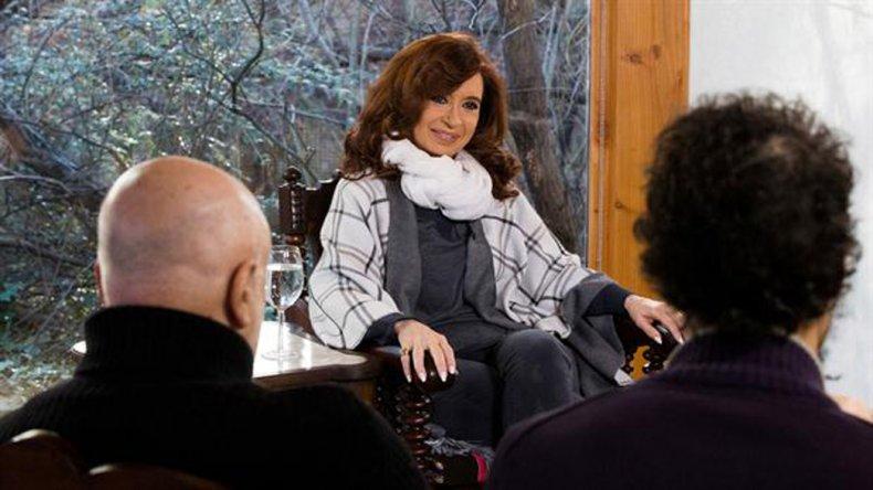 La ex presidente ofreció la entrevista a corresponsales de medios extranjeros en su residencia de El Calafate.