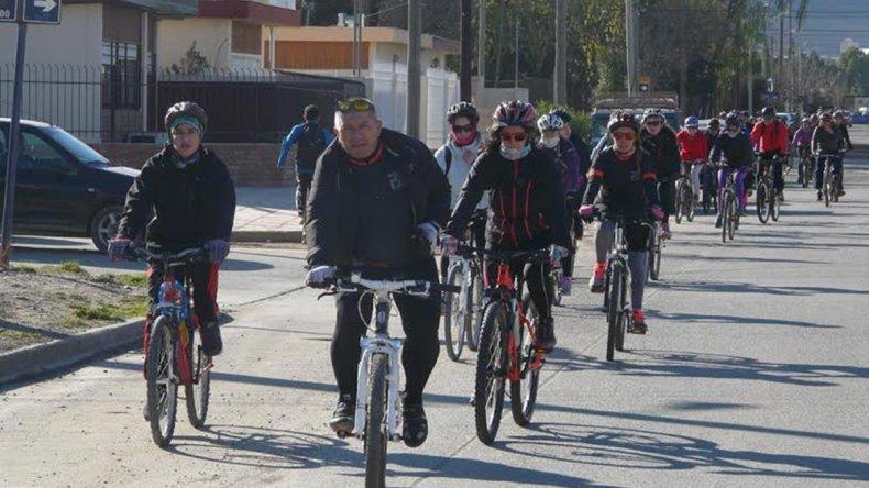 Sesenta y cinco ciclistas tomaron parte el último sábado del encuentro de cicloturismo.
