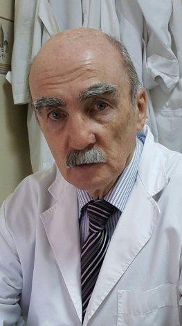 El doctor Carlos Torres es el titular de la cátedra Anatomía Funcional. Antes de empezar las clases