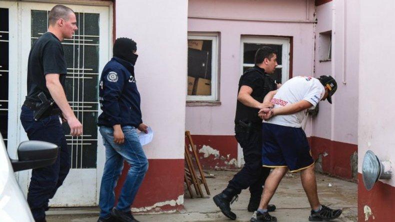 Registro de cámaras, armas secuestradas y testimonios complican a Uranga