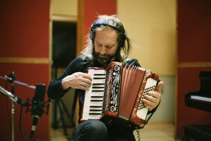 Chango Spasiuk presentará el disco Otras músicas.