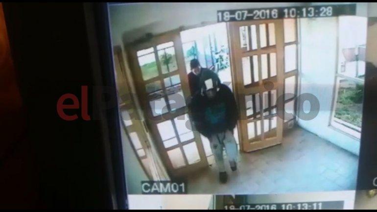 Le robaron en su departamento y ahora denuncia que recibe amenazas