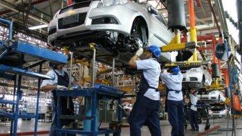 En el segundo trimestre, la actividad industrial se redujo 6,7% interanual.