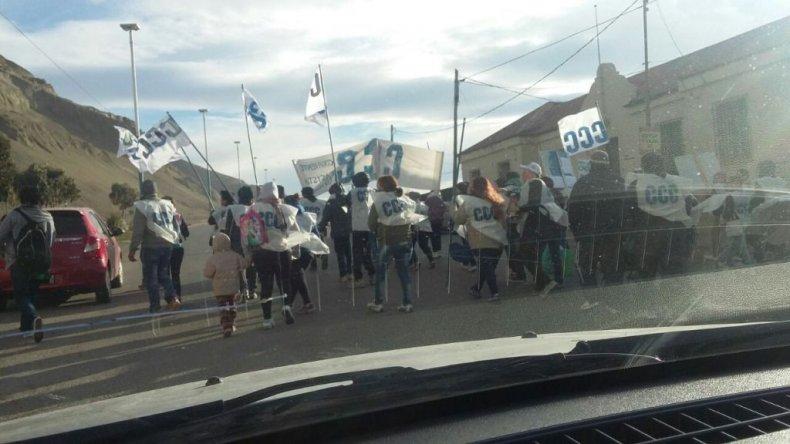 Una marcha de la Corriente Clasista y Combativa complica el tránsito