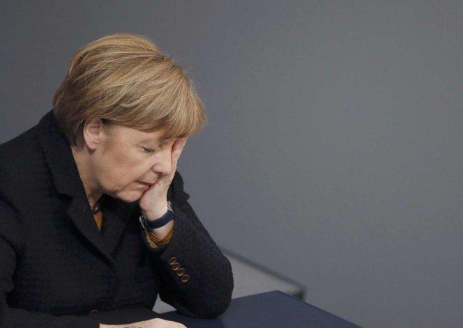 Angela Merkel pidió al pueblo alemán mantener una actitud solidaria con los refugiados.